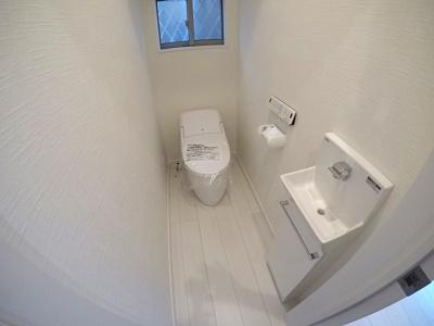トイレはもちろん2カ所あります!