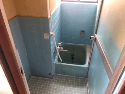 【浴室】土井貸家(みくまり2丁目)