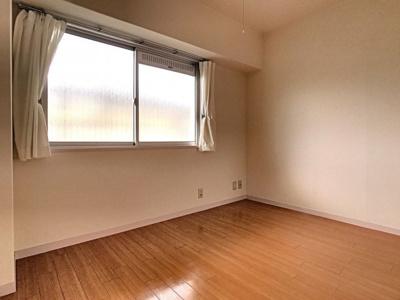 【居間・リビング】CO-OP下関南部町マンション 801号室
