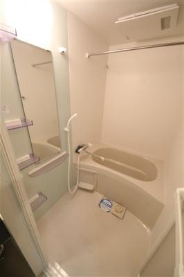 【浴室】セレニテ福島カルム