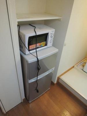2ドア冷蔵庫、電子レンジ♪