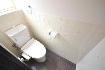 3階バルコニー側の洋室