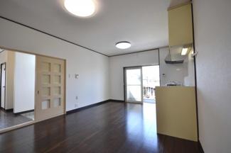 【居間・リビング】岸和田市上松町2丁目 リフォーム済み戸建