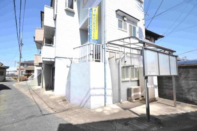 1階にはシャッターガレージがございます♪