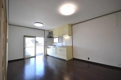 【キッチン】岸和田市上松町2丁目 リフォーム済み戸建