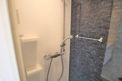 西向きバルコニーに面した洋室 約7.0帖の洗面室