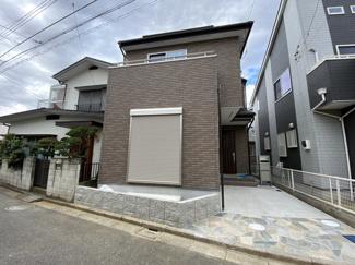 敷地約21.8坪で建物が述べ22.4坪の2(3)LDKです。