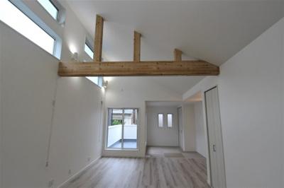 実際に建築したお家の洋室の写真になります。畳の色も選んでいただくことができますよ♪渋めの畳の色目にしてモダン和室も人気です☆