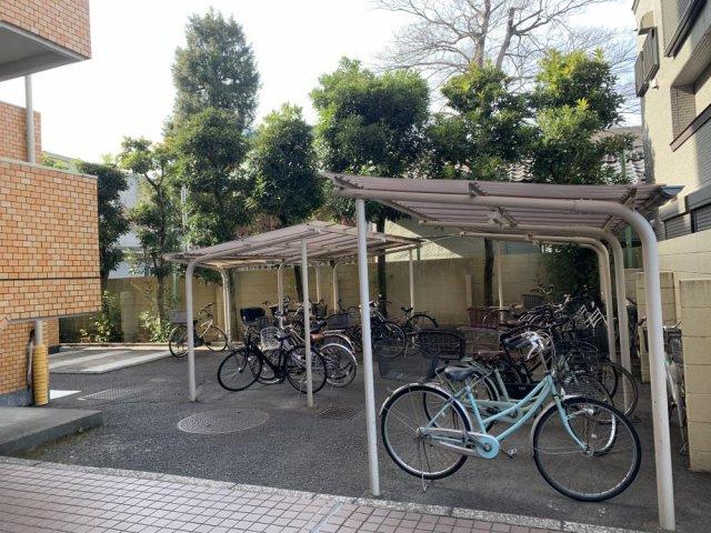 ニックハイム赤羽:敷地内駐輪場・バイク置場ございます!(空き要確認)