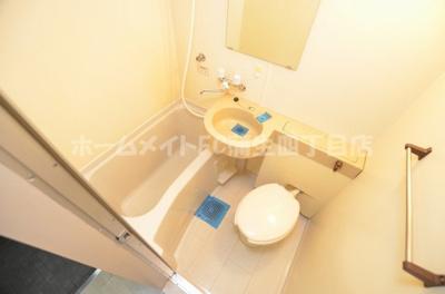 【浴室】メゾン・ド・シャルジェ