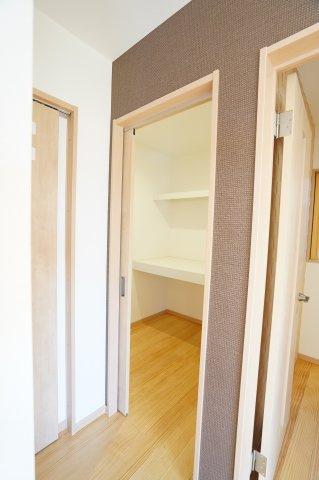 2帖の納戸 1階にあるのが便利ですね。