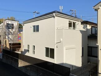 JR総武線・武蔵野線・東京メトロ「西船橋」駅徒歩16分の全1棟の新築一戸建てです。