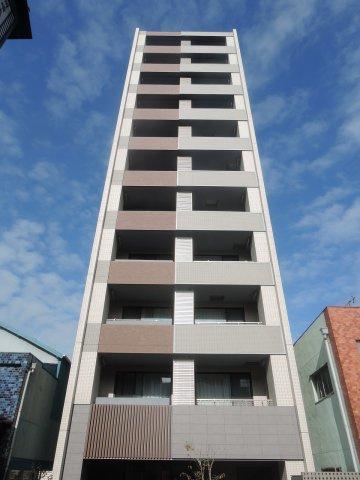 総戸数40戸、平成30年12月築のマンションです。 専有面積32.21平米、1LDKのお部屋となります。