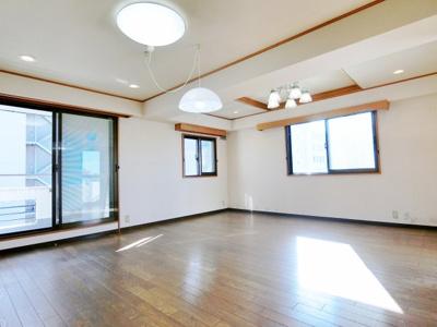 【居間・リビング】パールグリーン新宿