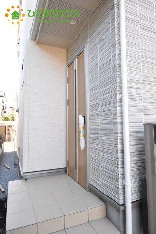 【玄関】上尾市小泉7丁目 新築一戸建て 02