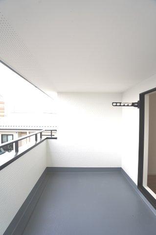 広々とした間取りと大容量の収納で快適に過ごせそうですね。本日、建物内覧できます。住ムパルまでお電話下さい!