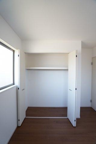 2階6.5帖 使い勝手のよいシンプルなクローゼットです。