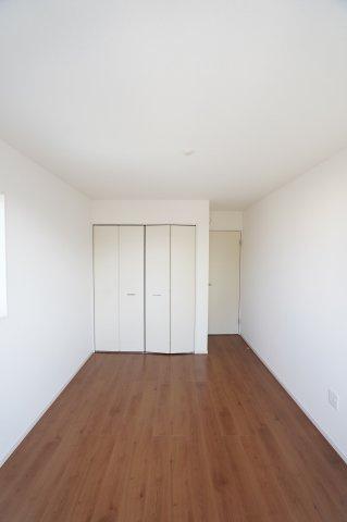 2階5.2帖 2階は4部屋ありますのでプライベートも充実できます。