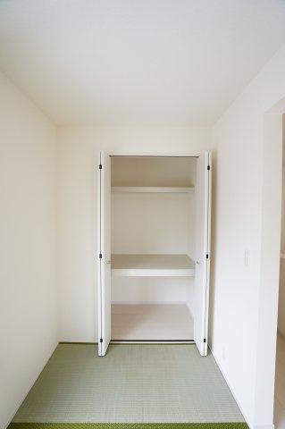 収納スペースもあり便利ですね。