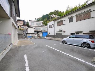 【駐車場】シャーメゾン三碓
