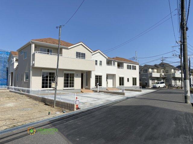 【前面道路含む現地写真】久喜市青葉5丁目 第2 新築一戸建て 04 リーブルガーデン