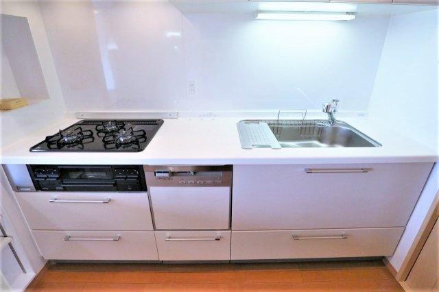 引出し収納となっており、料理器具等が多い方もしっかりと収納できます ガスコンロ新規交換