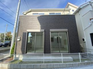 JR総武線「津田沼」駅徒歩11分の全1棟の新築一戸建てです。新京成線「前原」駅は徒歩10分です。