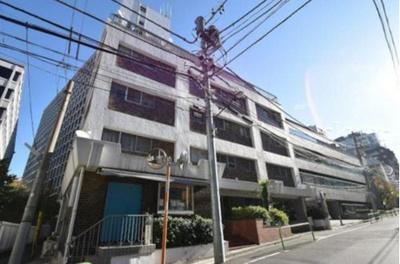 東京メトロ千代田線「赤坂」駅から徒歩約4分です。