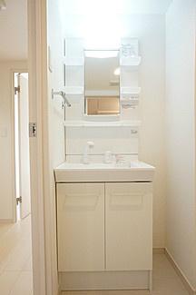 リブリ・トーカクの独立洗面台