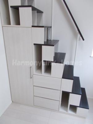 ハーモニーテラス東金町Ⅱの収納付き階段☆