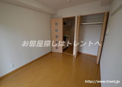 【居間・リビング】ドルフィン西新宿