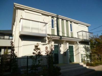 戸建てライクな新築テラスハウス