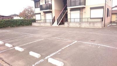 【駐車場】フォーブルニュー