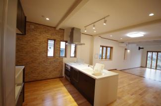 キッチンも広さがあり料理が捗ります