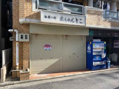 駅前商業立地!南海本線「堺」駅から2分!1階貸店舗 約10坪