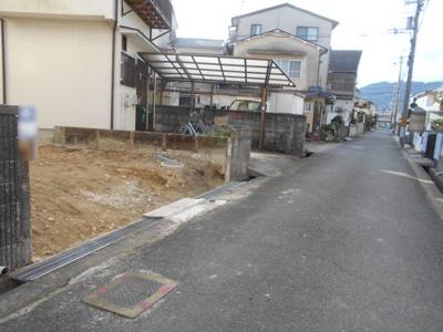【前面道路含む現地写真】亀岡 大井町かすみヶ丘 建築条件無し売土地