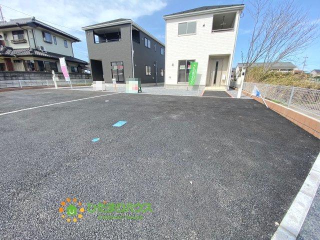 駐車スペースは4台分ご用意しております。