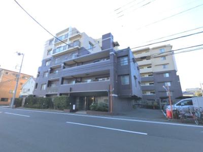 総戸数50戸、2003年2月築のマンションです。 専有面積69.72平米、2SLDKのお部屋となります。