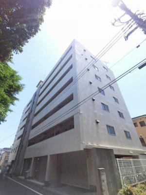 総戸数33戸、昭和49年8月築のマンションです。 専有面積平米、3LDKのお部屋となります。