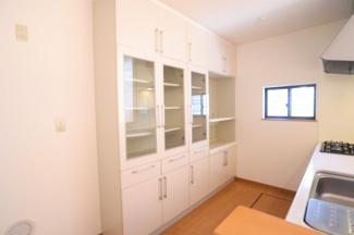 グランファミーロ リ・スタイル四街道池花  大容量のキッチン収納棚♪キッチン周りがスッキリとしますね!