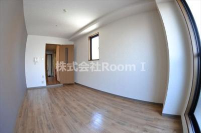 個人の部屋や寝室として使える洋室です 反転