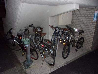 モンターニュ駒込の駐輪スペース