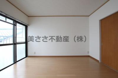 【居間・リビング】鷹取ビル