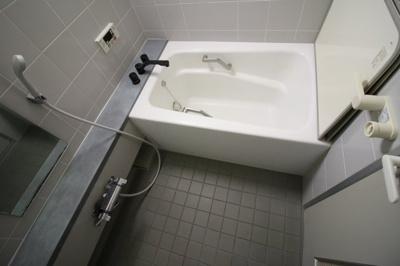 【浴室】プリエール島之内