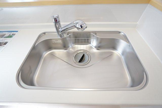 浄水器付き水栓でいつでもおいしいお水を飲むことができますよ!