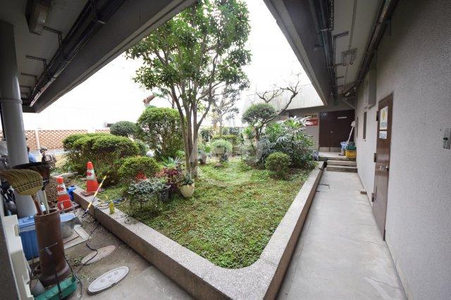 長居東コーポ 中庭