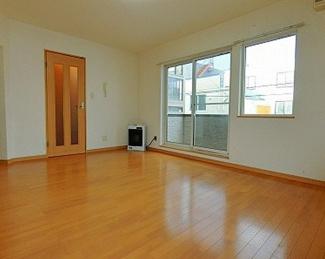 【居間・リビング】《木造7.84%!満室稼働中!》小樽市花園4丁目一棟アパート