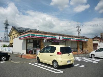 セブンイレブン 能登川中学校前店(557m)