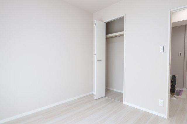 十分な収納スペースがあります 吉川新築ナビで検索