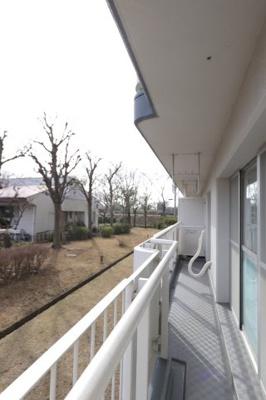 暖かな日差しのふりそそぐバルコニー 吉川新築ナビで検索